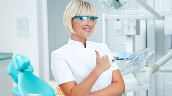 Где лучше лечить зубы: выбираем стоматологическую клинику